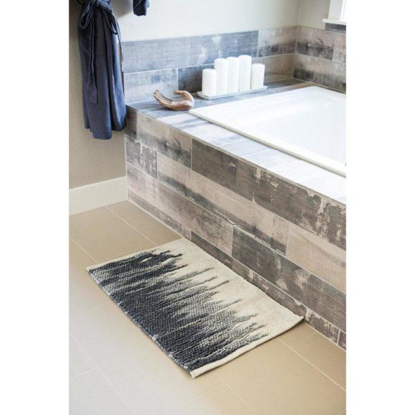 Ikat pettern bath rug